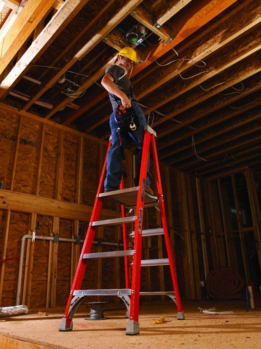 Louisville Ladder 3 Foot Fiberglass Pinnacle Pro Platform